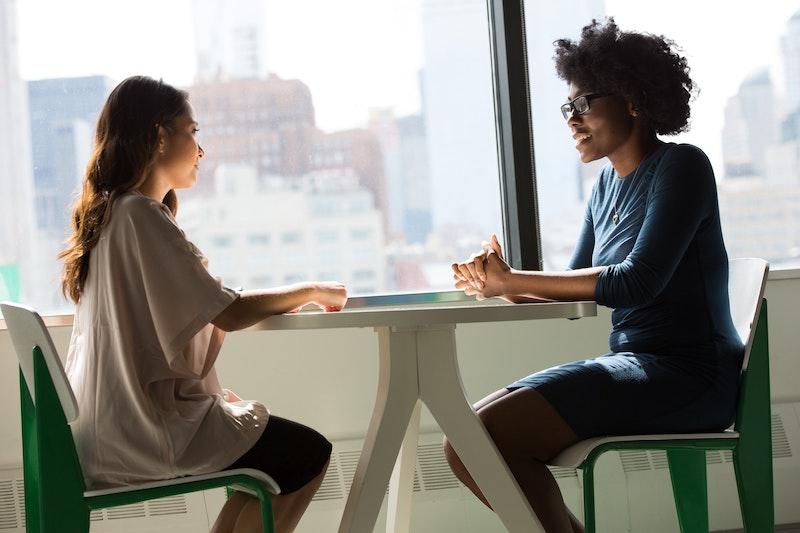 Konflikte im Beruf klären: Suchen Sie das persönliche Gespräch!